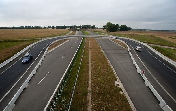 В Україні відтермінували будівництво платних доріг