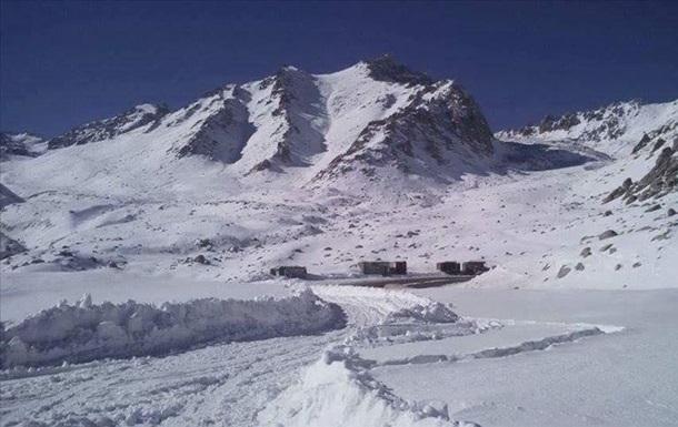 В Афганистане восемь человек погибли из-за схода лавины