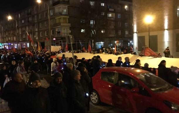 Тысячи поляков провели мэра Гданьска в последний путь