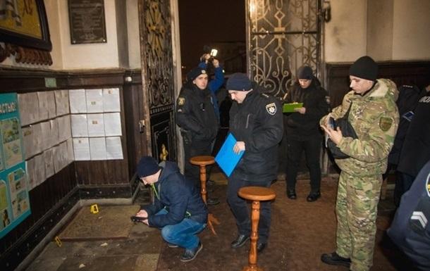 Поліція знайшла хуліганів, які підірвали піротехніку біля храму в Сумах