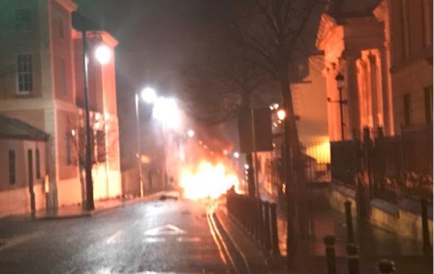 Взрыв в Северной Ирландии: задержаны четверо