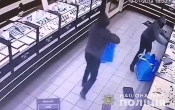 В Кривом Роге ограбили ювелирный магазин
