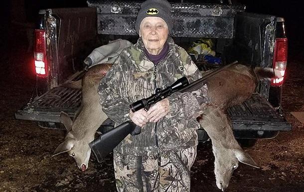 101-річна американка одним пострілом убила двох оленів
