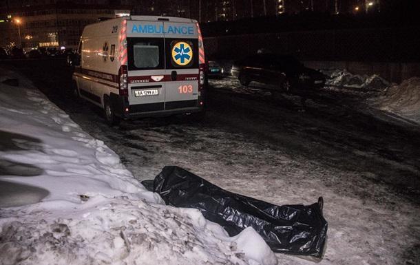 Біля супермаркету в Києві виявили тіло охоронця