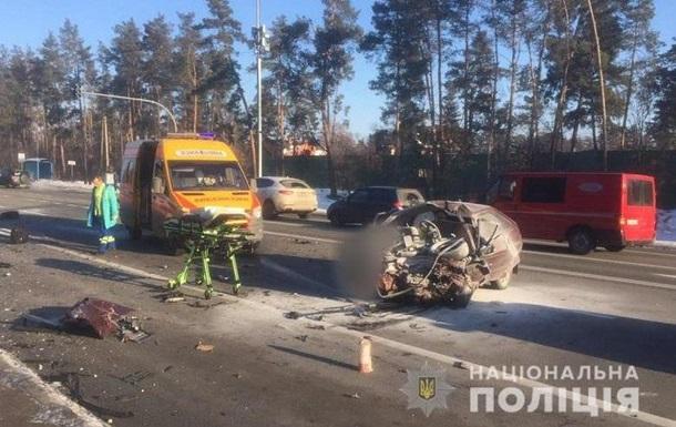 В Киеве три человека погибли в ДТП