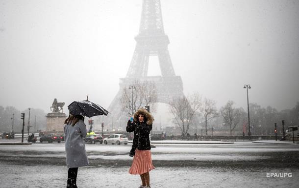 Франція потерпає від снігопадів