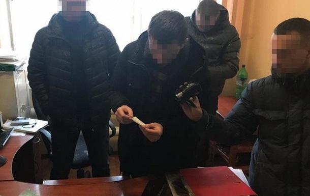 Во Львовской области следователя поймали на взятке