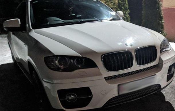 Под Ужгородом водитель BMW обстрелял автомобиль