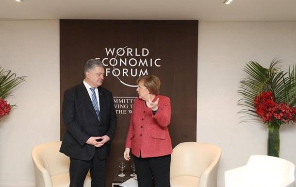 У Порошенка розповіли про переговори з Меркель
