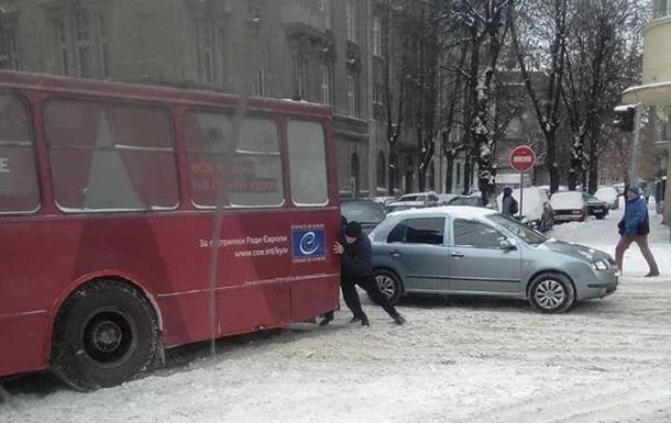 Снегопад во Львове