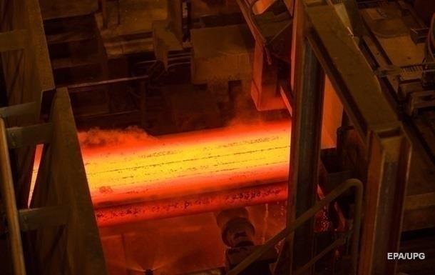 В Україні продовжує падати виробництво сталі