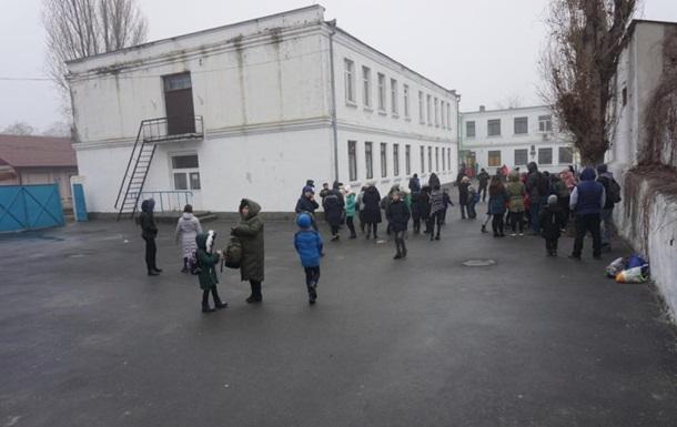 В Измаиле эвакуировали школу из-за учительницы с гранатой
