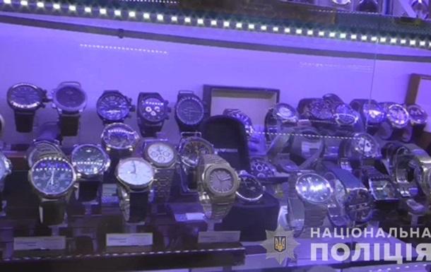 У Миколаєві жінка підробила і продала брендових годинників на 30 млн