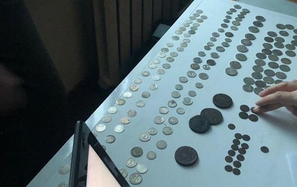 Украинец пытался вывезти в Польшу сотни старинных монет