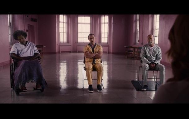 Фильм Стекло сохранил лидерство в прокате США