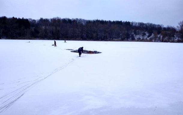 В Киеве подо льдом обнаружили тело 25-летнего мужчины