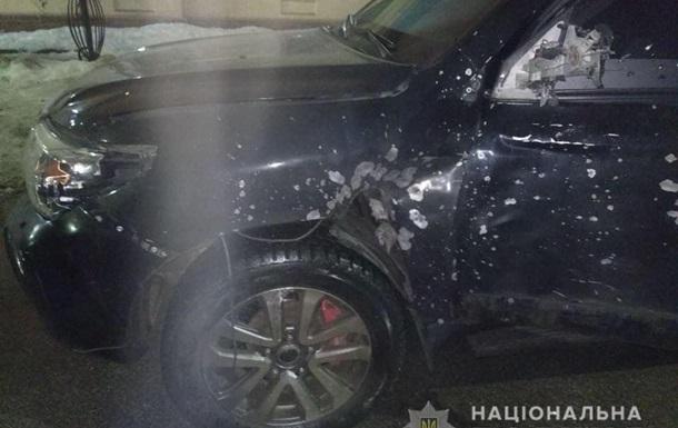 В Днепре из гранатомета обстреляли автомобиль