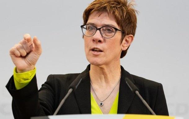 Лідерка ХДС запустила інформаційну кампанію проти АдН