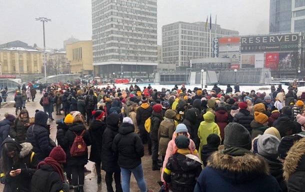 В Киеве выстроилась гигантская очередь на концерт