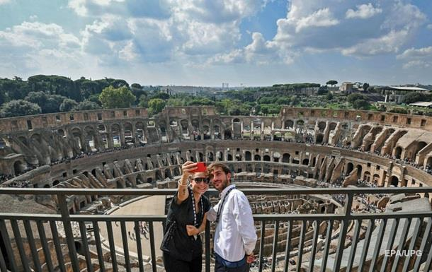 У Римі можна взяти в оренду красеня для фото