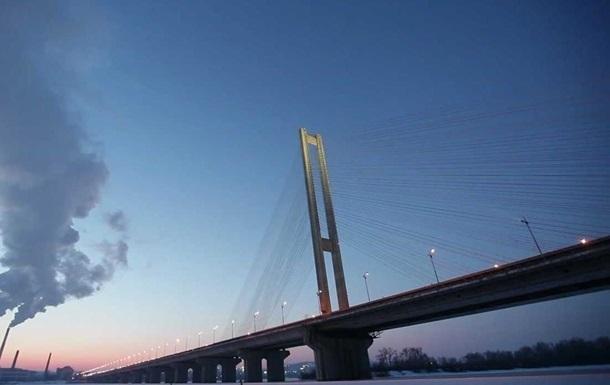 В Киеве частично ограничат движение по Южному мосту