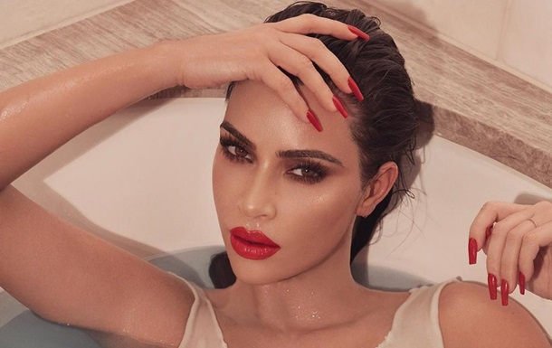 Kardashian ridiculed for meaningless photoshop