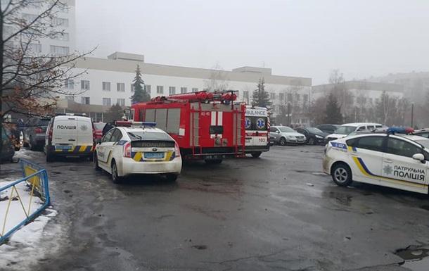 В больнице Киева ищут взрывчатку