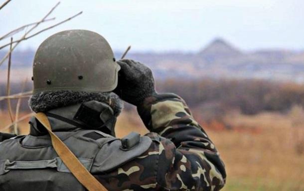 Біля армійського арсеналу затримали трьох невідомих
