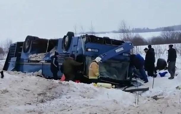 В Калужской области в аварии автобуса погибли семь человек