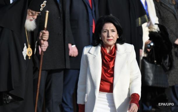 Президент Грузии без конкурса устроила на госслужбу своих родственниц - СМИ