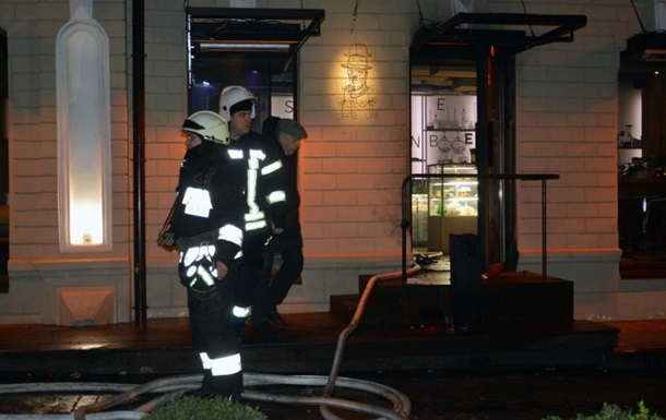 Пожар в кафе Днепра: двое пострадавших