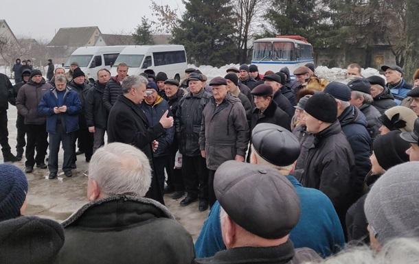 Бойко рассказал военным пенсионерам, сколько у них  украла власть
