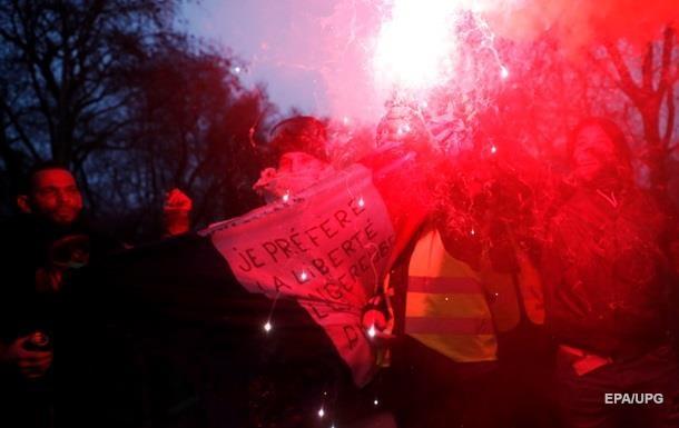 В Париже акция протеста переросла в погром заведений