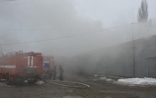В Днепре произошел масштабный пожар на складах