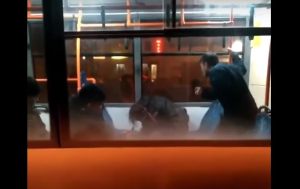 В Одесі звільнили водія тролейбуса за побиття паcажира