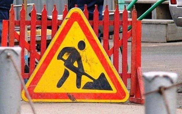 На ремонт трасс Киев-Чоп и Киев-Одесса выделили полмиллиарда гривен