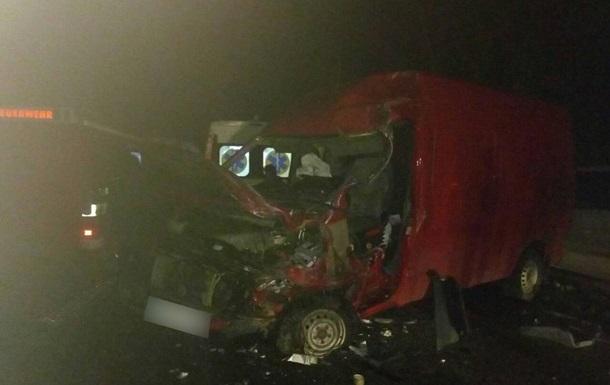 На Буковине столкнулись два микроавтобуса, есть жертвы