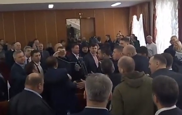 В Житомире на сессии облсовета произошла драка