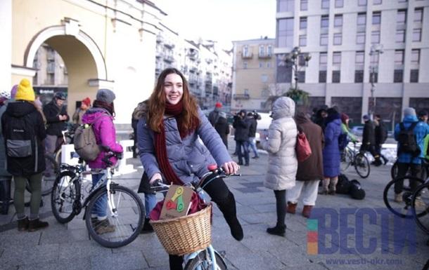 На Майдане велосипедисты поддержали всемирный флешмоб