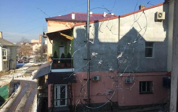На Прикарпатье обстреляли офис радиостанции