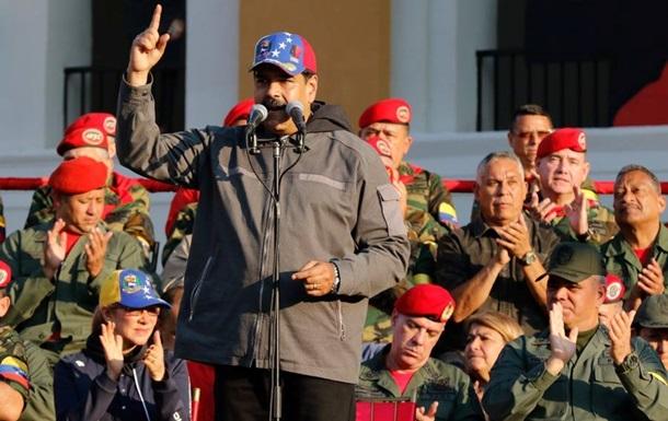 «Двухсотлетие Ангостуры 2019»: Мадуро прибыл накрупнейшие вВенесуэле военные учения