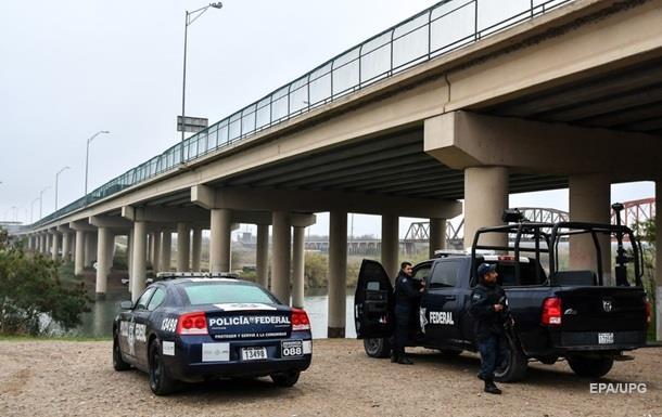 В Мексике нашли убитыми пять полицейских
