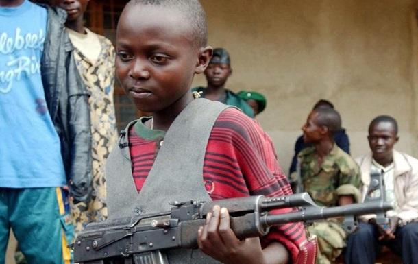UNICEF: У світі експлуатують до 250 тисяч дітей-солдатів
