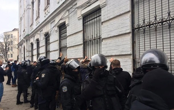 Столкновения в Киеве: открыто дело из-за публикации данных полицейских
