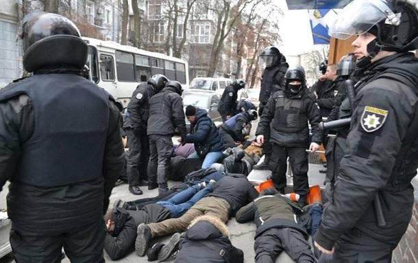 Оппоблок поможет полицейским, обвиняемым в столкновении с радикалами