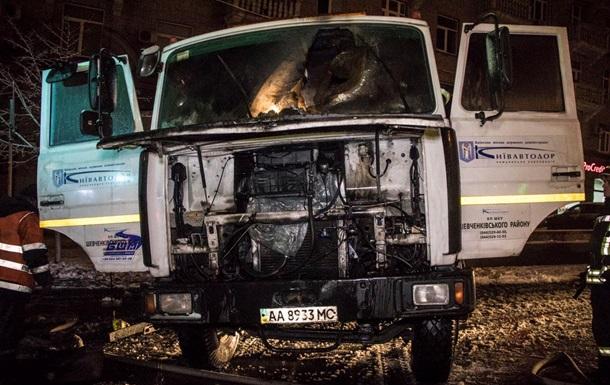 У центрі Києва горіла вантажівка Київавтодору