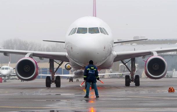 В аеропорту Київ не зміг сісти літак