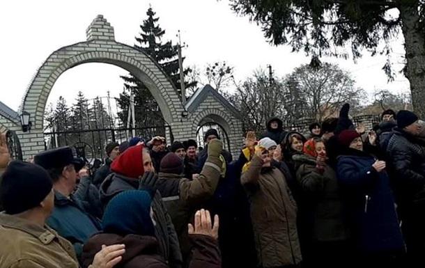 Громада села Селезенівка одоголосно вирішила перейти до ПЦУ