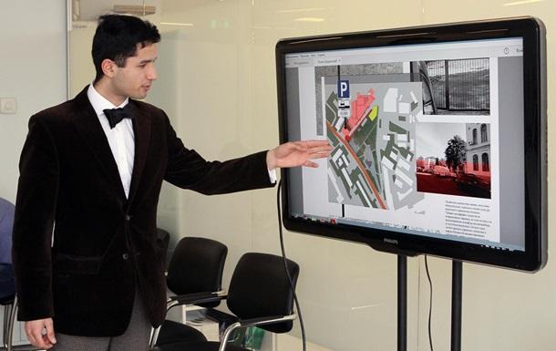 Борис Колесников отправляет лучших студентов на ведущий форум в Милан