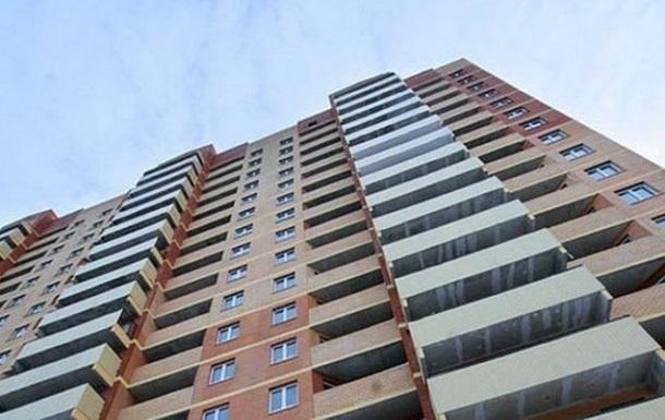 В Мариуполе мужчина выпрыгнул с пятого этажа и погиб